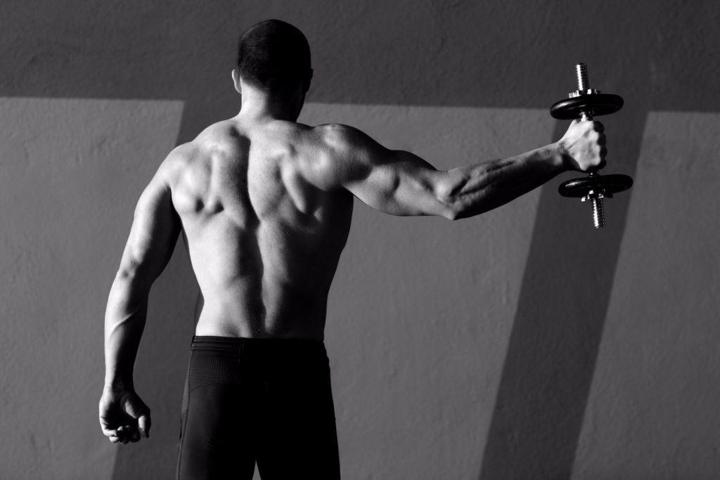 Definierte Muskeln durch intensives Training