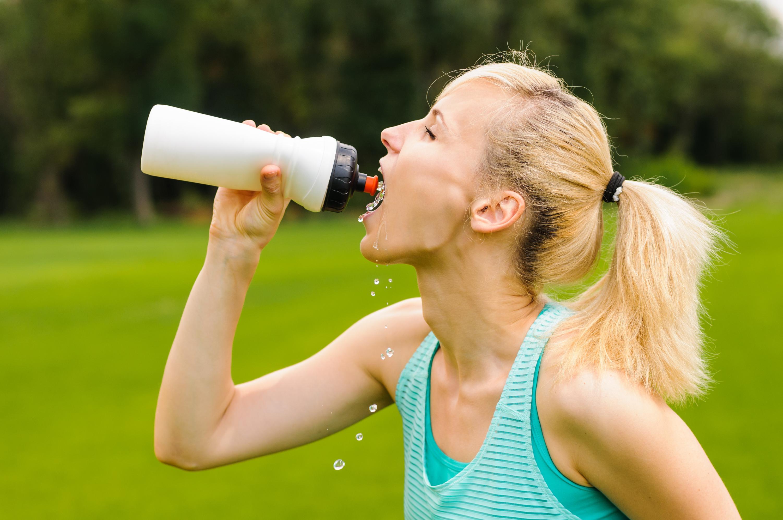 Das richtige Trinkverhalten beim Sport
