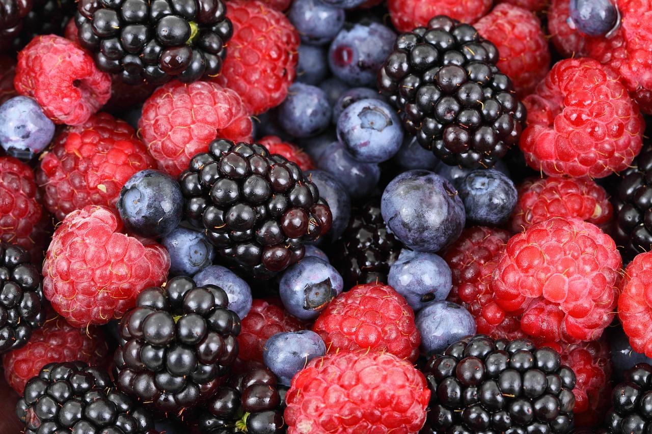 Leckere Beeren für die Fitness von innen