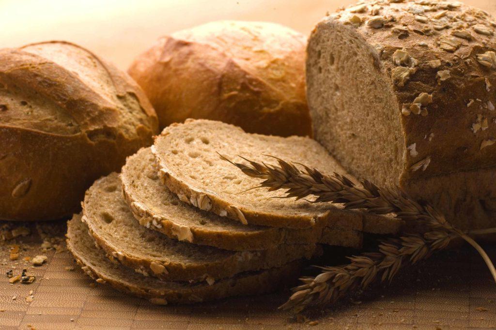 45 bis 65 Prozent der zugeführten Kalorien sollten Kohlenhydrate sein