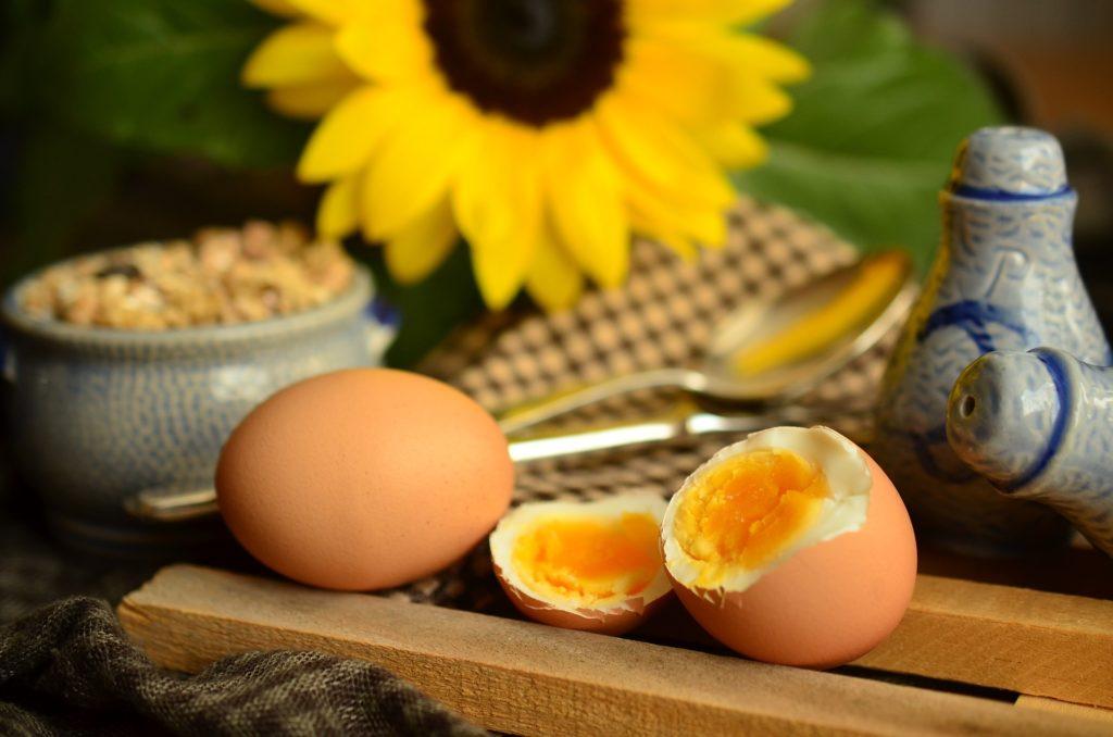 Schon ein Ei liefert den Tagesbedarf an Cholin (Foto: pixabay)