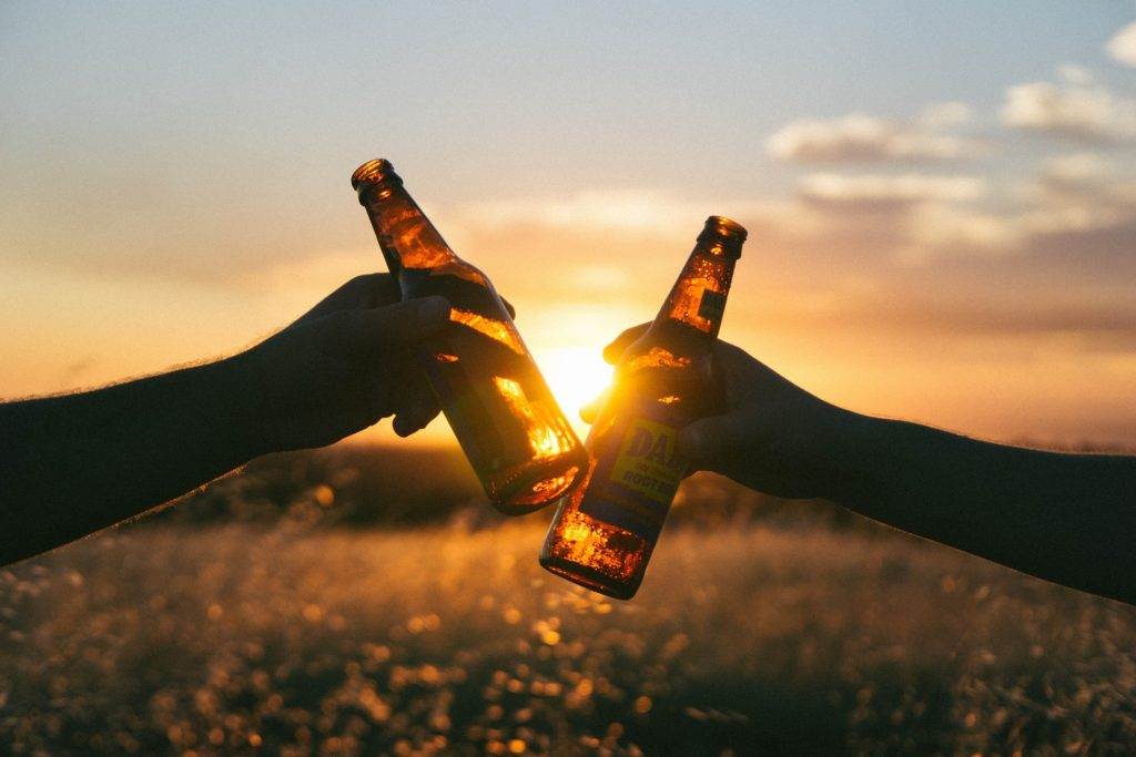 Wer es mit dem Sport Ernst meint, sollte beim Alkohol Zurückhaltung üben