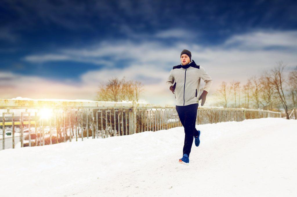 Funktionskleidung hält warm und führt den Schweiß nach außen