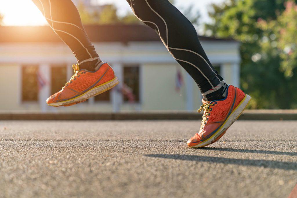 Achillessehnebeschwerden durch zu stark gedämpfte Schuhe