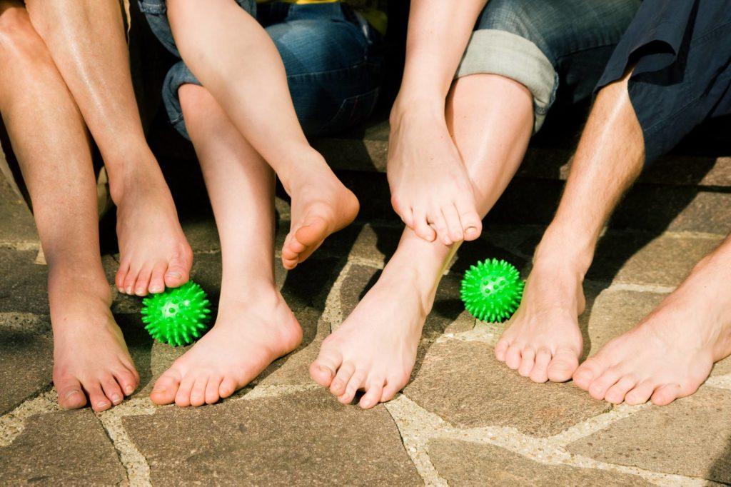 Füßen lieben den Igelball