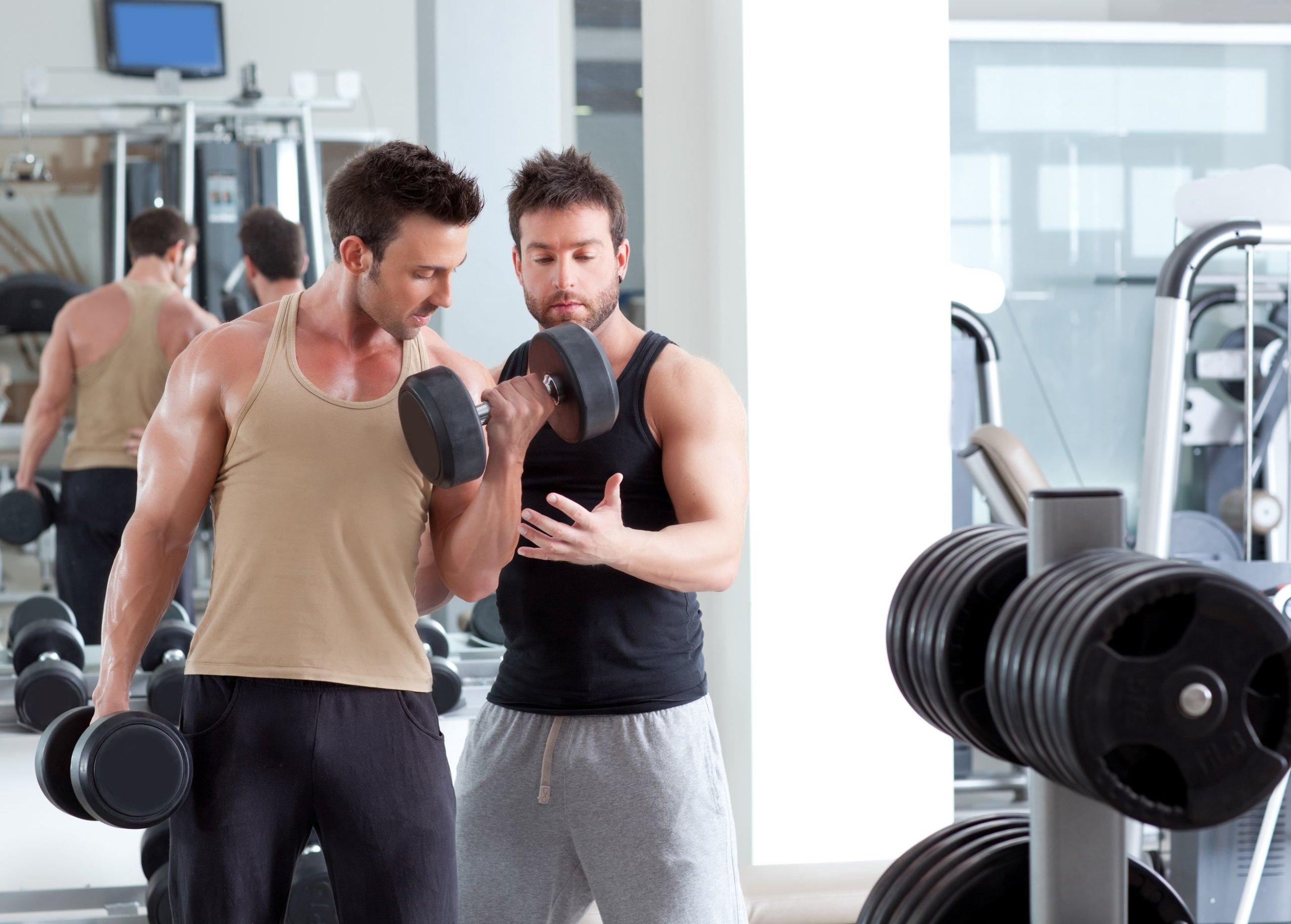 Muskulöse Oberarme – am besten mit dieser Strategie